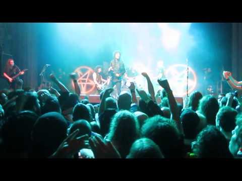 "Anthrax feat. Kirk Hammett (Metallica) - ""T.N.T."" (AC/DC cover) Live in San Francisco 3/28/13. HD"