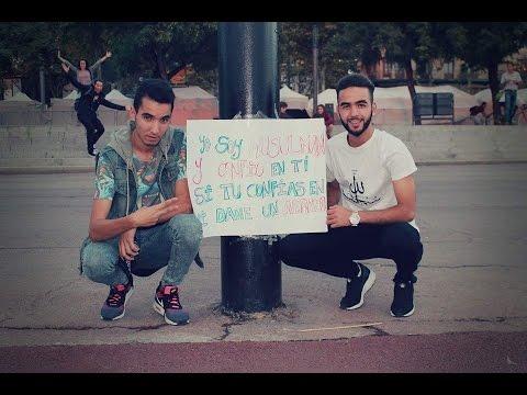 Abraza un Musulmán - Blind Muslim Trust Experiment - Barcelona