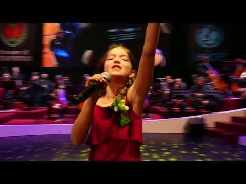 "SanremoJunior 2018, World Finals - A2, Eva Katharina Jumatate, Sweden - ""The Greatest Love Of All"""