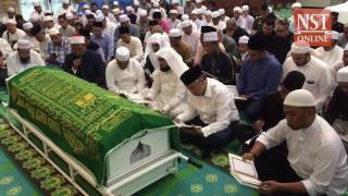 Crowd gathers to pay final respects to late Syed Alman