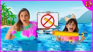 REGRAS DE CONDUTA para CRIANÇAS na PISCINA (Rules of Condut for Children) - Laurinha e Helena