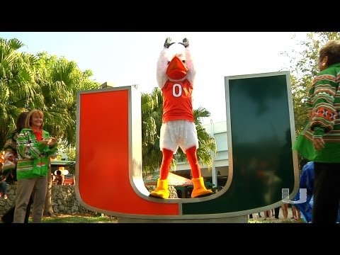 UNIVERSITY OF MIAMI UNVEILED THE NEW 'U' STATUE