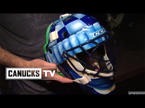 Roberto Luongo S Movember Mask Youtube