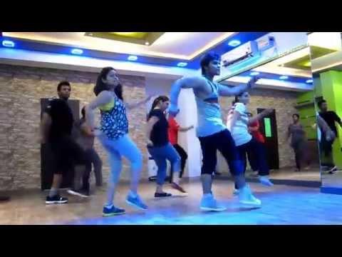 The Fitness Fiesta – Zumba (R) with Sanntosh – naach meri jaan ABCD2