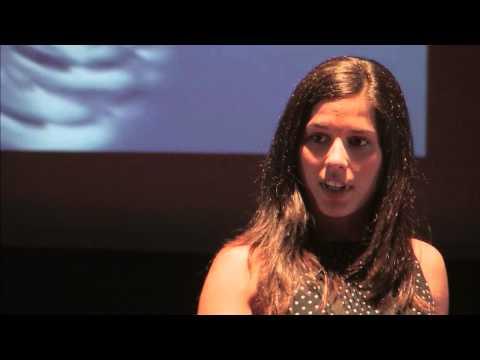 A ilusão da aparência | Sara Ortins | TEDxFCTUNL