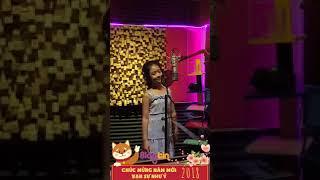 Bé Bảo Ngọc   Cám ơn mẹ Livetream tập bài hát mới trong phòng thu