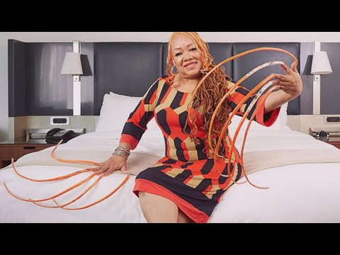 Thumbnail: Meet the Woman With the Longest Fingernails in the World