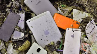RESTORE ipad | Restoration abandoned destroyed phone | Found a lot of broken phones in the rubbish