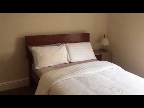 Double room close to city centre - 49 peach st  Main Photo