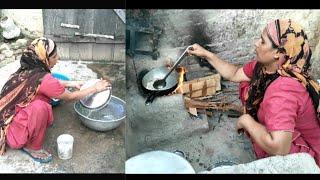 Indian Village Woman Cooking Food     Rural life of Punjab (India)    Gaon/ Pind/Village life India