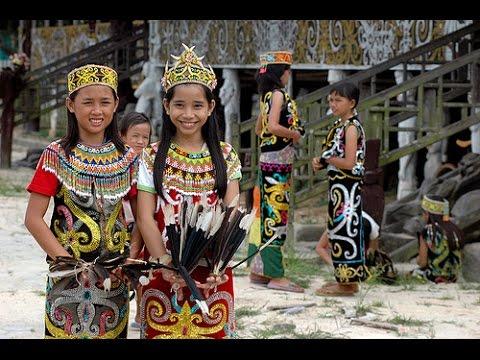 Dayaks y Bajaus (Borneo) - Malasia / Indonesia