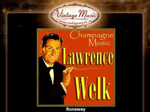 LAWRENCE WELK CD Vintage Dance Orchestra. Champagne Music , Young World, Runaway ..