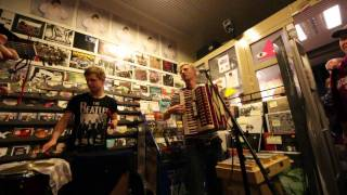 Ewert And The Two Dragons @ Stupido Record Shop performing Good Man Down