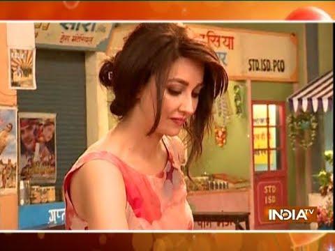 Saumya Tandon celebrates her birthday on the set of Bhabhi Ji Ghar Par Hain