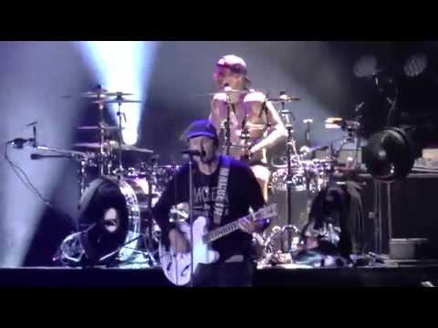 blink-182 - Ghost on the Dance Floor - live at Lokerse Feesten 2014
