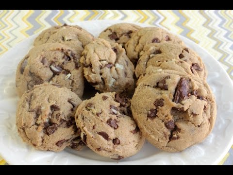 How To Make Mint Chocolate Chunk Cookies | Simply Bakings