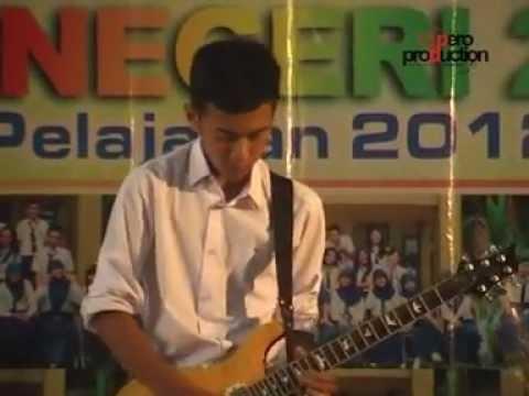 Canon In D @ SMPN 2 Jepara Wisuda Tahun 2013 - Adam