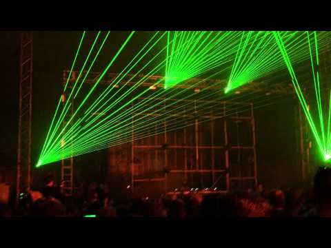 Eric Prydz, Cirez D  On Off  at Creamfields 2015