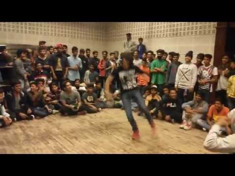 Bboy GodHand vs Makkhan  at Taste the Funk Vol2