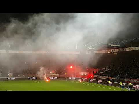 Opkomst Willem II - NAC Vuurwerk & Fakkels