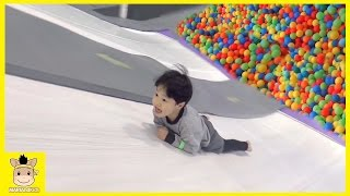 Indoor Playground Rainbow Colors Ball Learn Colors Fun for Kids Family Play Slide | MariAndKids Toys