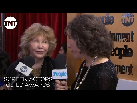Lily Tomlin: Red Carpet Interview | 23rd Annual SAG Awards | TNT