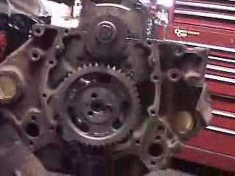 HOW TO CHEVY 350 SMALL BLOCK ENGINE REBUILD CAMSHAFT TIMING CHAIN