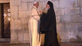 Папа римский посетил Храм Гроба Господня и мечеть Купол Скалы в Иерусалиме http://9kommentariev.ru/(, 2014-05-26T10:47:47.000Z)