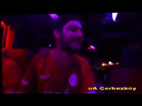 Galatasaray'lı taraftardan harika bir beste. (Hayata handikaplı başlamamış olabilirim)(sözlerle)