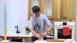 Куриные грудки с соусом из лука-порея и печеным картофелем