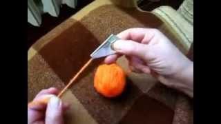 Урок 3. Учимся вязать на Ивушке - заправка нити в нитеводитель