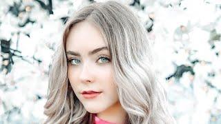 Actress / Artist / Dancer Mila Nabours