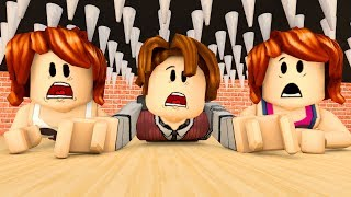 ROBLOX-CRUSHED IN the FAMILY (Crusher)