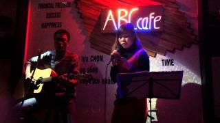 Abc cafe _ la con gai that tuyet... Lần đầu hát ghita run quên hết cả lời