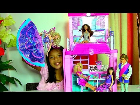 Thumbnail: Barbie Glam Vacation House Monster High Clawdeen Wolf Scares Barbie Dolls