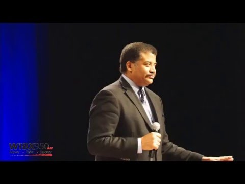Neil deGrasse Tyson Speaks At Hamilton College About Scientific Illiteracy