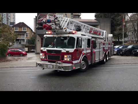 Vancouver Fire & Rescue Services - Ladder 7 Responding
