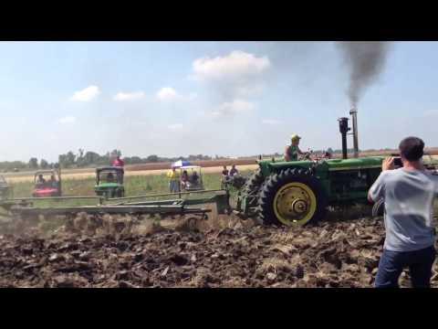 John Deere 6030 Plowing