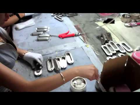 China Import, China Quality Control: Drawer Furniture Handles and Knobs / Production 2