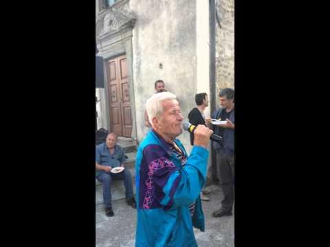 Big fail - Top class Tuscany karaoke singer - Best singer ever