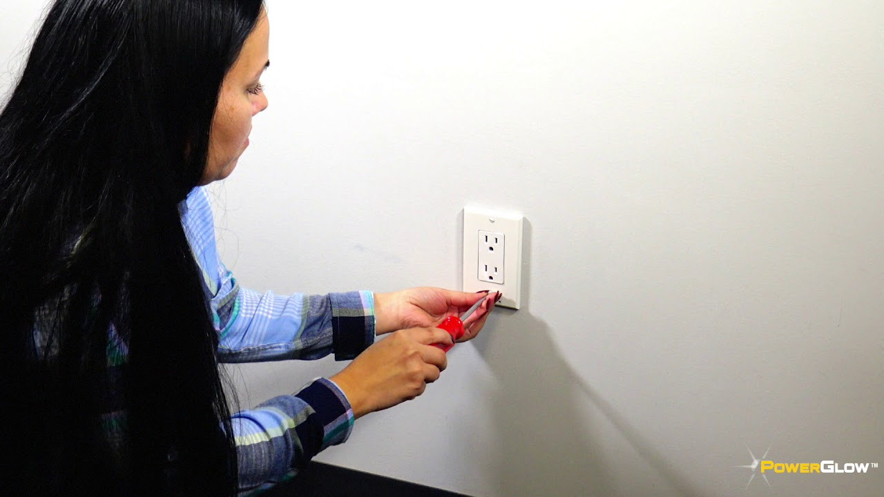 Powerglow Wall Outlet Plate 3 Led Night Light Onoff Switch White