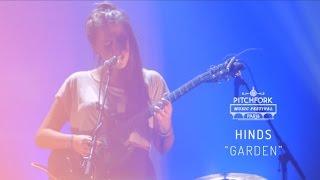 """Hinds   """"Garden""""   Pitchfork Music Festival Paris 2015   PitchforkTV"""
