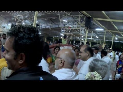 Dhanvantari Homa with Gurudev