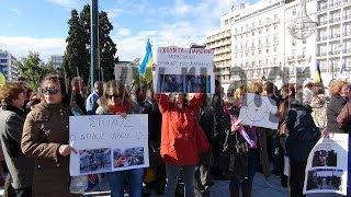 Украинская диаспора Греции поддержала Евромайдан. Видео репортаж(26 января в 13:00, на центральной площади Афин -- Синтагма (площадь Конституции) прошел митинг украинской диаспо..., 2014-01-27T10:17:14.000Z)
