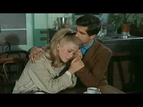Les Parapluies de Cherbourg * The Umbrellas of Cherbourg  *(English and Spanish Subtitles)*