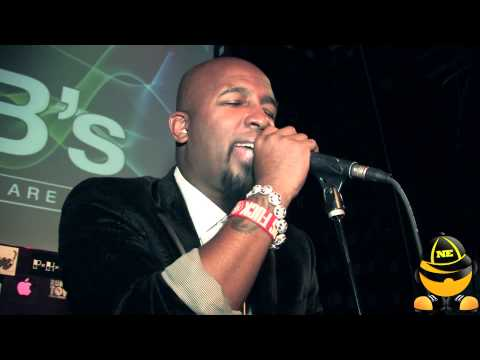 "TECH N9NE Performs ""Fragile"" Live For The 1st Time"
