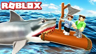 BUILD A RAFT & SURVIVE A JAWS SHARK ATTACK IN ROBLOX!