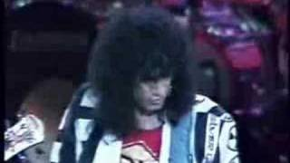 KISS - no no no  live in japan budokan  88