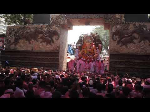 Lalbagh Chya Raja Visarjan  Raja At The Gates   2