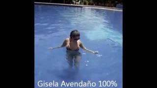 Gisela Avendaño en piscina